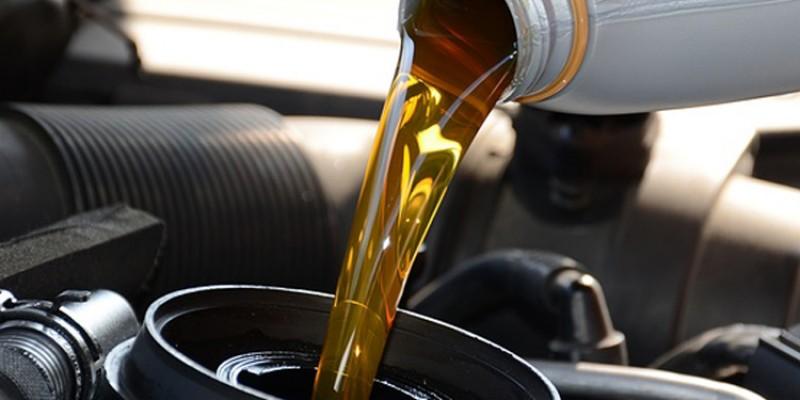 Semne ca trebuie schimbat uleiul motorului
